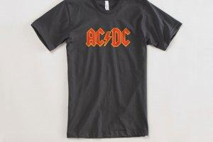 13 300x200 - As 18 camisetas icônicas de todos os tempos
