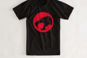56 300x200 - As 18 camisetas icônicas de todos os tempos